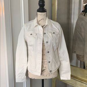 NWT White Denim Jacket Size Small!!